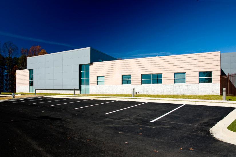 Gwinnett commercial office, precast enclosure system on exterior